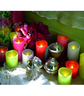 4 coloured candles